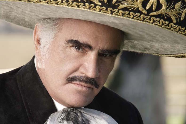 Vicente Fernández fue duramente criticado de homofóbico
