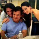 Juan Gabriel con la pareja de amigos
