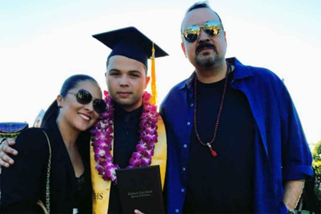 Pepe Aguilar y familia.