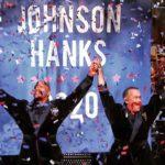 """En """"Saturday Night Live"""", """"La Roca"""" y Tom Hanks hicieron un sketch donde eran compañeros de fórmula para las elecciones presidenciales de 2020"""