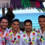 Nicolás Roman, Raúl Jiménez, un amigo y Diego Reyes en una de las recepciones