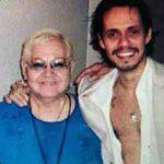 Guillermina Muñiz (o Quiñones) con su hijo Marc Anthony.