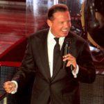 Por ahora sólo hay una única serie oficial y avalada por el cantante, que transmitirá próximamente Telemundo