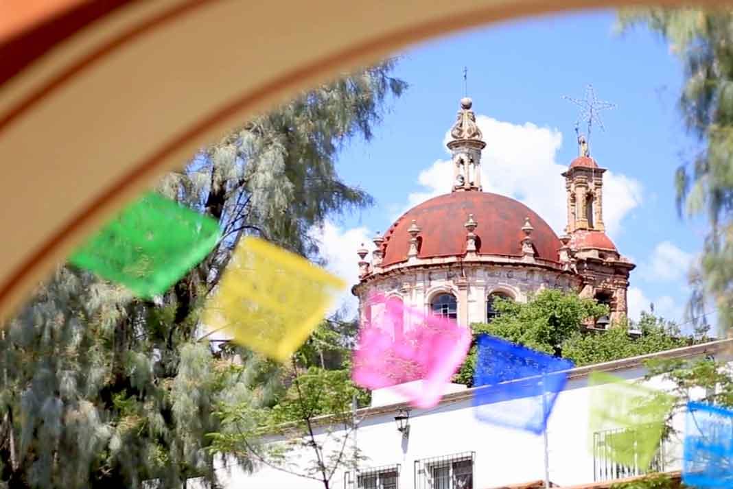 Al fondo se ve la cúpula de la iglesia del rancho que perteneció a don Antonio Aguilar, y donde están sepultados los abuelos de Pepe