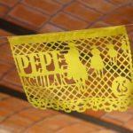 Los adornos de papel picado que decoraron la fiesta traían el nombre de Pepe Aguilar