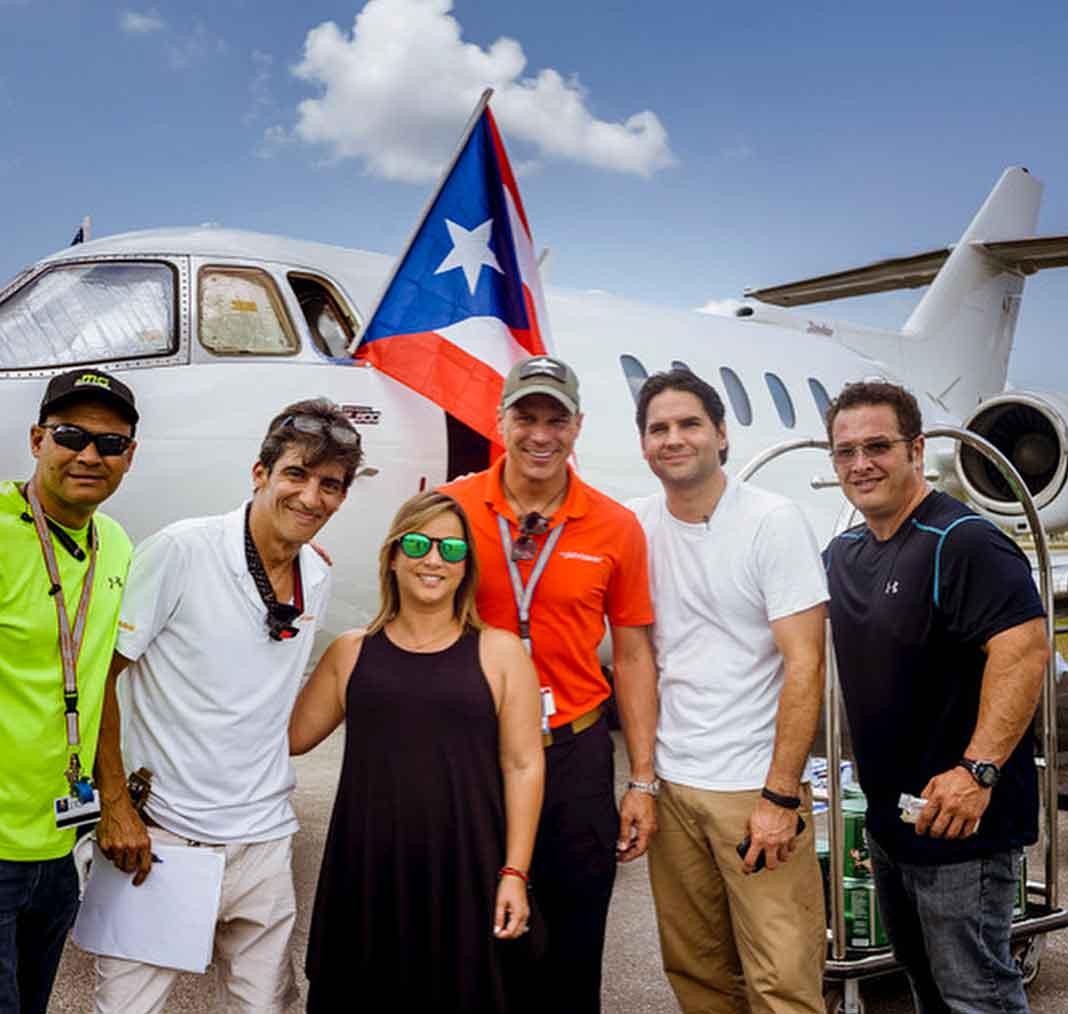 Amigos y personal de la compañía de vuelos privados no dudaron en apoyar