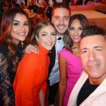 Aquí lo vemos posando con ex compañeros de Univision y Telemundo, donde también trabajó
