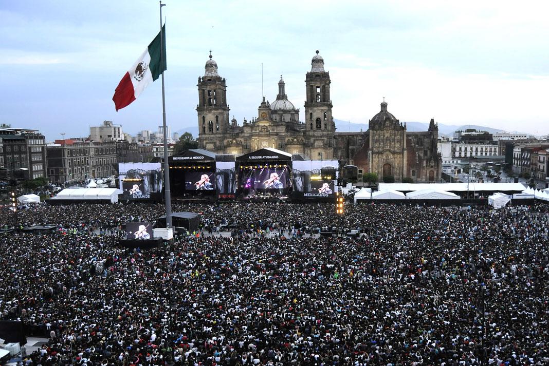 El festival de música tuvo de fondo la Catedral de la Ciudad de México
