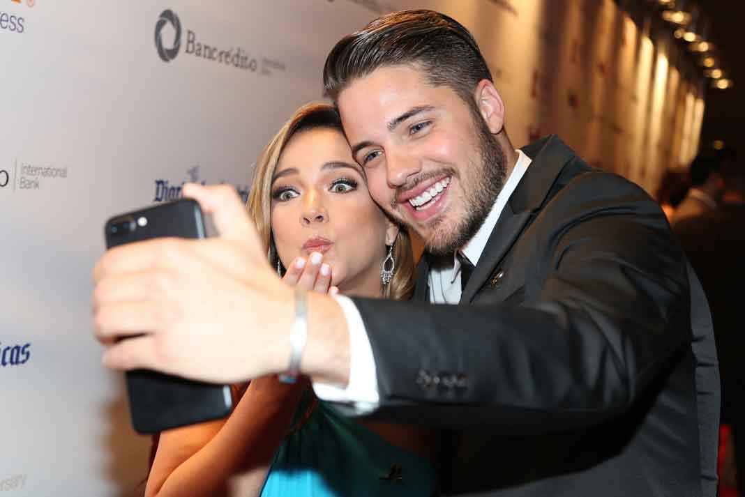 Hace poquito se encontró con mi compañera Adamari López y se tomaron la selfie
