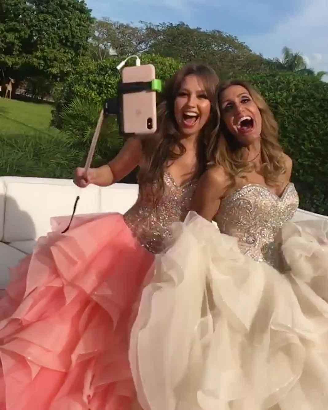 Thalía grabó el divertido momento con tu celular