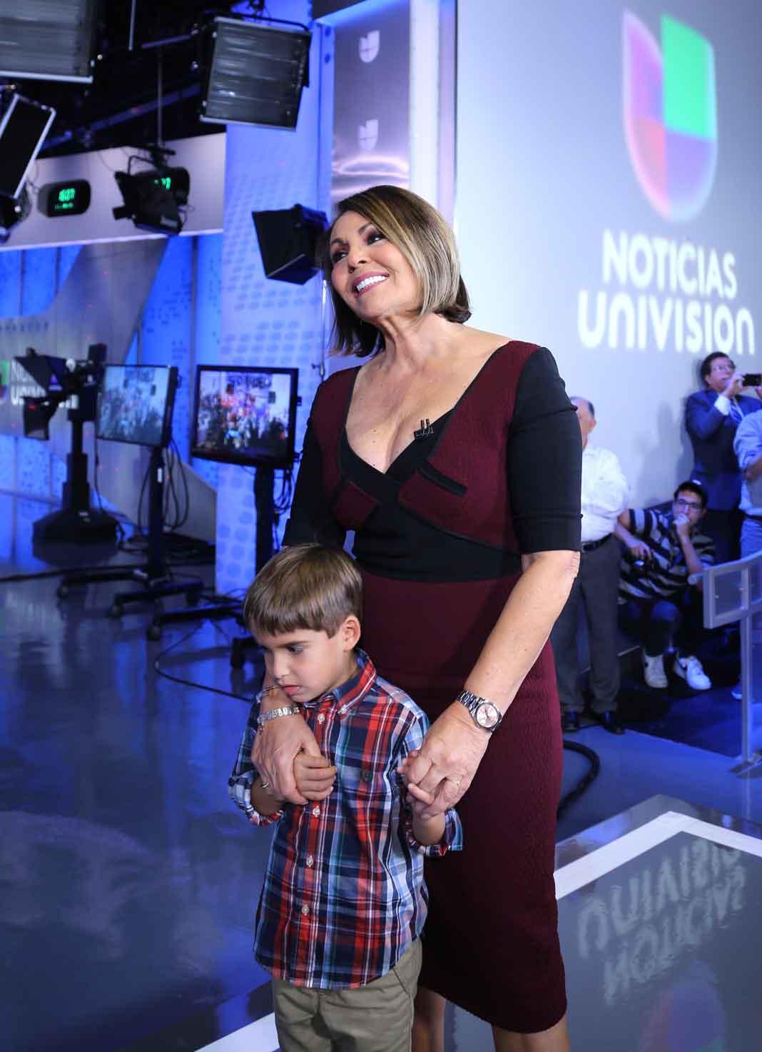 Con su nieto, una vez terminada su última emisión