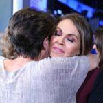 Recibió muchos abrazos de sus compañeros de tantos años