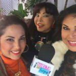 Su primera familia: sus hijas Lilibeth y Liliana Rodríguez, y al fondo su ex esposa Lila Morillo