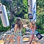 Se ve que las hijas del actor también les gusta el ejercicio.