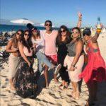 Disfrutando de las playas de Bahamas con sus hijos y unos amigos