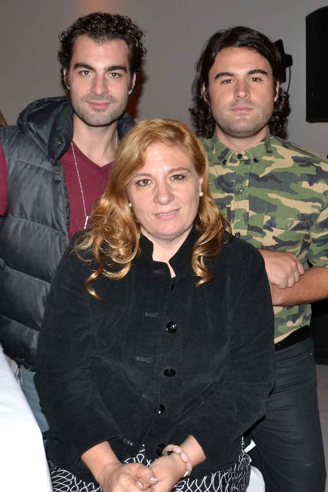 Le sobreviven su esposa Maribel y sus hijos Aldo y Carlo, que también son actores
