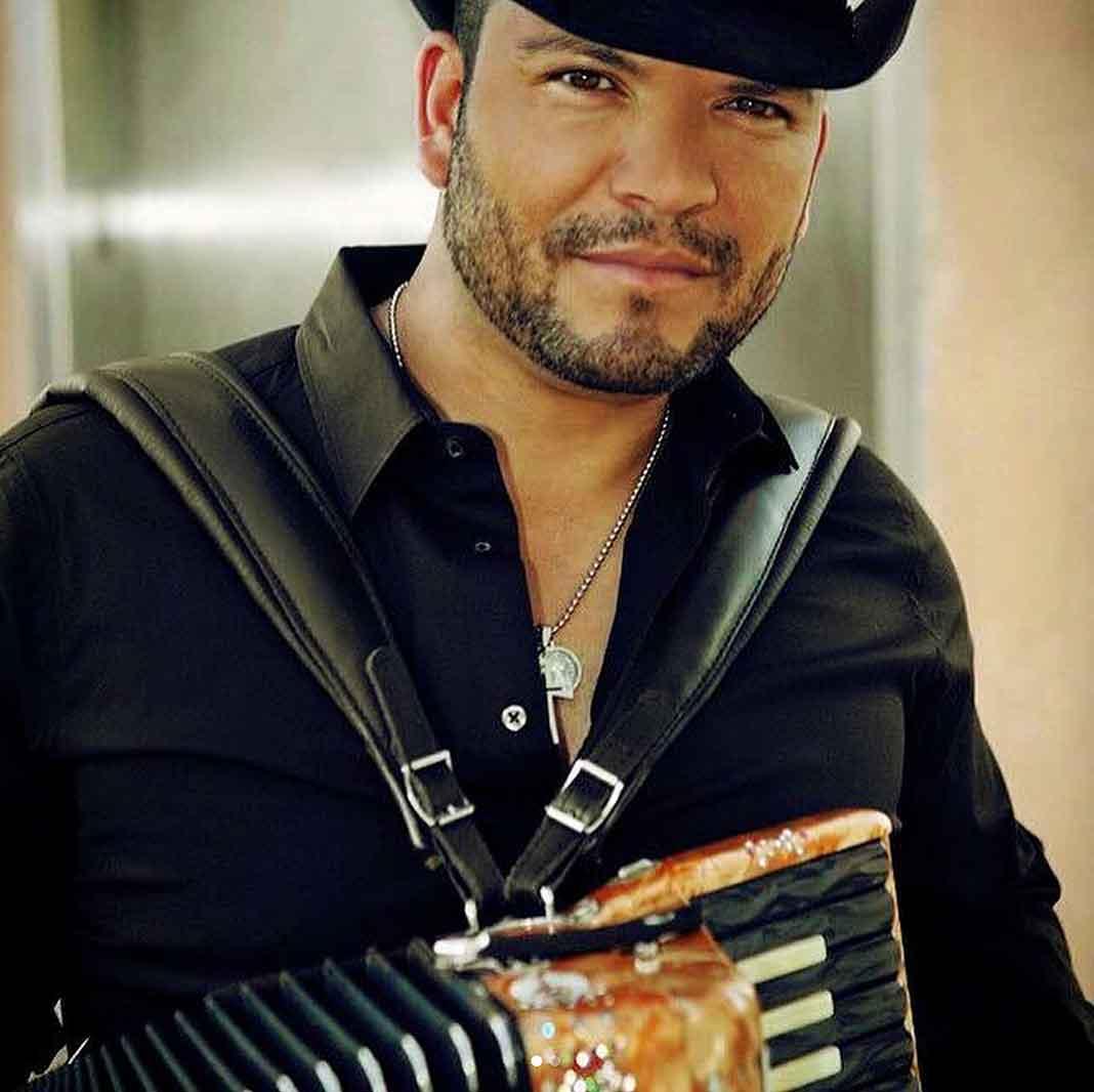 Michael Salgado es uno de los cantantes texanos más queridos por el público
