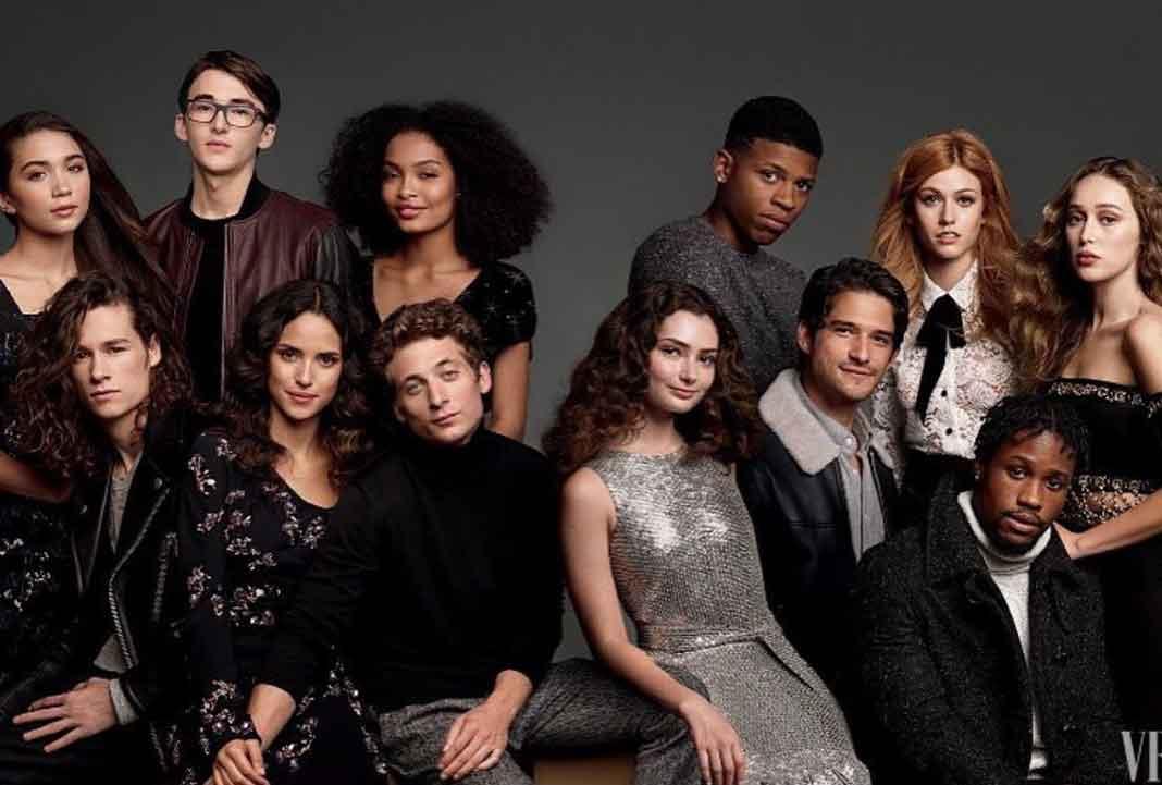 Aquí con el elenco de una especia de miniserie de Vanity Fair a través de Snapchat