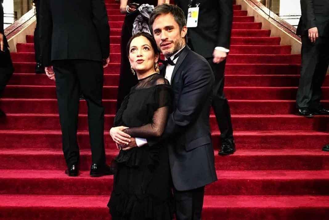 Natalia y Gael se tomaron esta foto en las escalinatas del teatro Dolby donde fueron los Oscares
