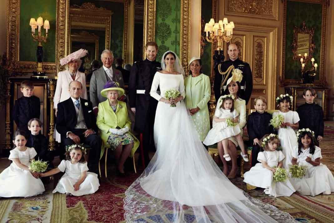 La plana mayor de la familia real británica con Harry, Meghan y doña Doria Ragland, mamá la novia