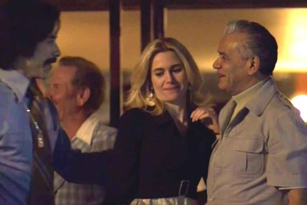 """Aquí """"Luisito Rey"""" le dice a """"Durazo"""" que su familia (o sea, Marcela) sabrá agradecerle si apoya a Luis Miguel"""