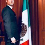 El actor Jesús Moré es Omar Terán, Presidente de México... o sea, ya saben a quién interpreta