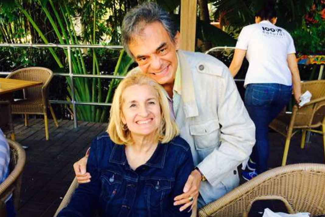 El Príncipe de la Canción se encuentra recuperándose gran parte del tiempo en casa de su hija Sarita