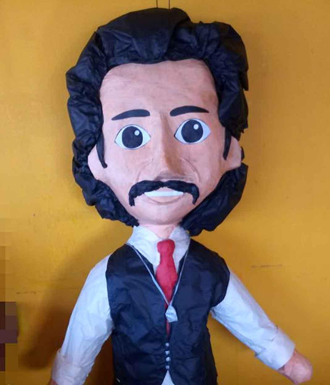 La piñata del papá de Luis Miguel viene con y sin saco