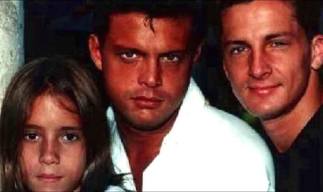 Una de las pocas imágenes que se conocen de los tres hermanos juntos