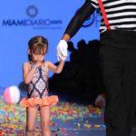 A Michelle, la hijita de Alan Tacher le dio un poquito de pena, pero lo hizo: modeló su traje de baño