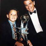 Desde niño a su hijo le gusta el futbol, deporte que actualmente practica