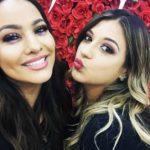 En junio del año pasado, así posó Shirley con su amiga Mayeli en el lanzamiento de su línea de cosméticos