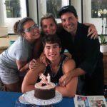 """""""Moriría por mi familia, gracias por todo"""", escribió el joven al compartir esta foto de sus 21 años"""