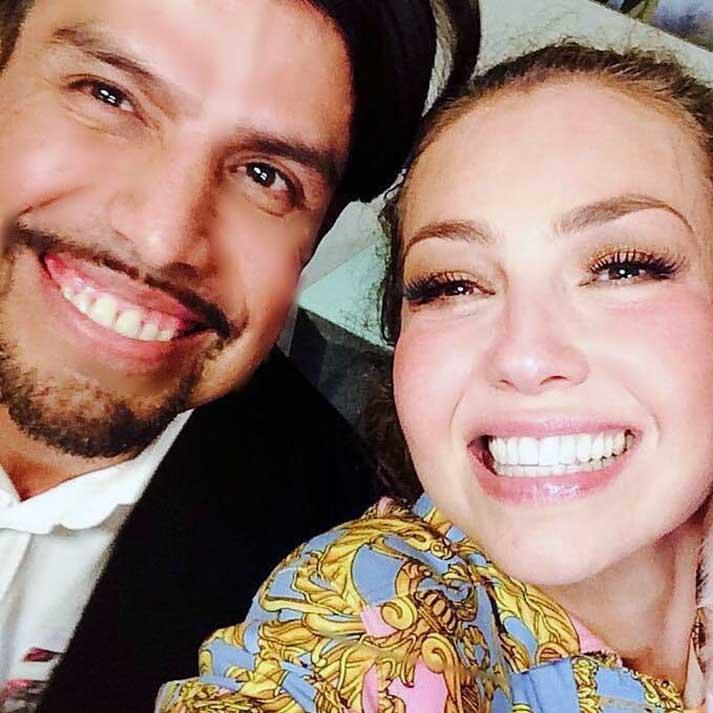 Gustavo Matta con Thalía, una de sus tantas famosas clientas