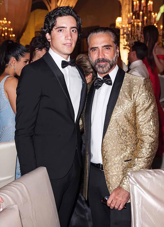 El cantante apoya en todo la carrera de su hijo Alejandro