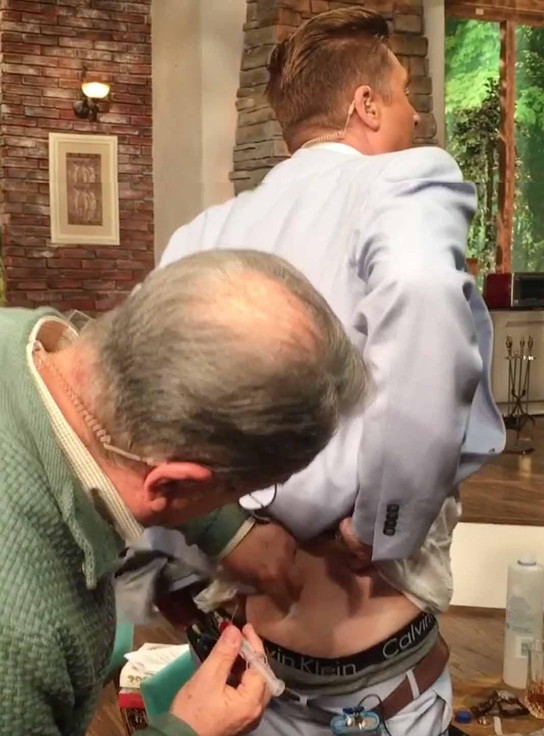 La de palabrotas que Daniel Bisogno le dijo a Pedrito Sola porque le dolió la inyección