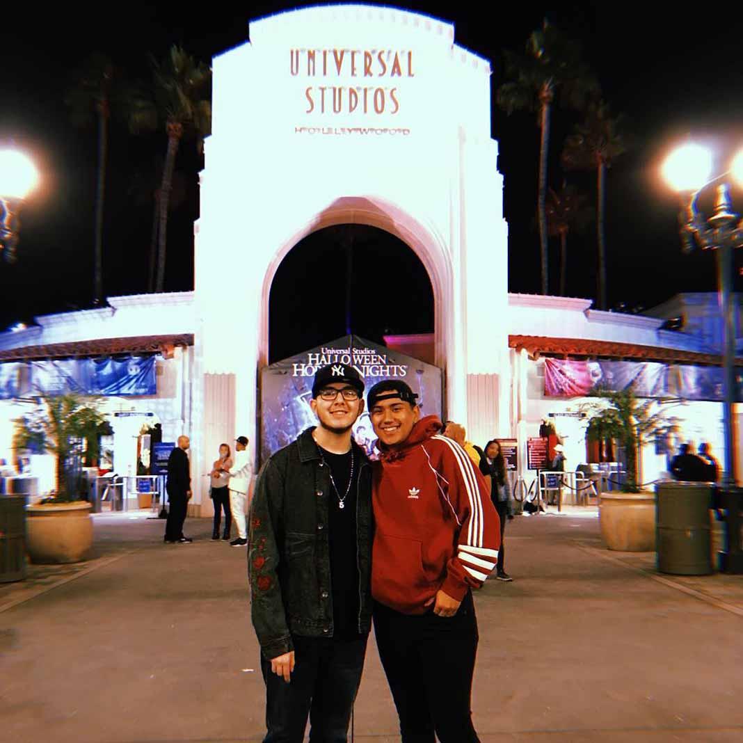 Apenas el fin de semana Johnny y Joaquín celebraron su primer año de novios en Universal Studios