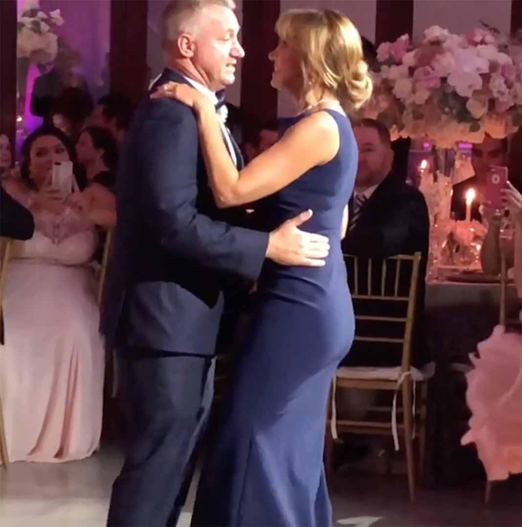Lili bailó con Juan el tema