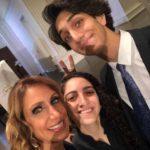 Lili con su sobrina Emily y su hijo Lorenzo
