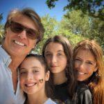 Sus hijas Mía y Azul son lo más importante para la pareja