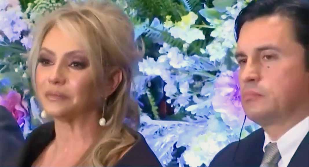 La actriz estuvo acompañada durante la rueda de prensa por sus abogados