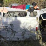 Al ser sacado, este integrante fue inmovilizado sobre el vehículo