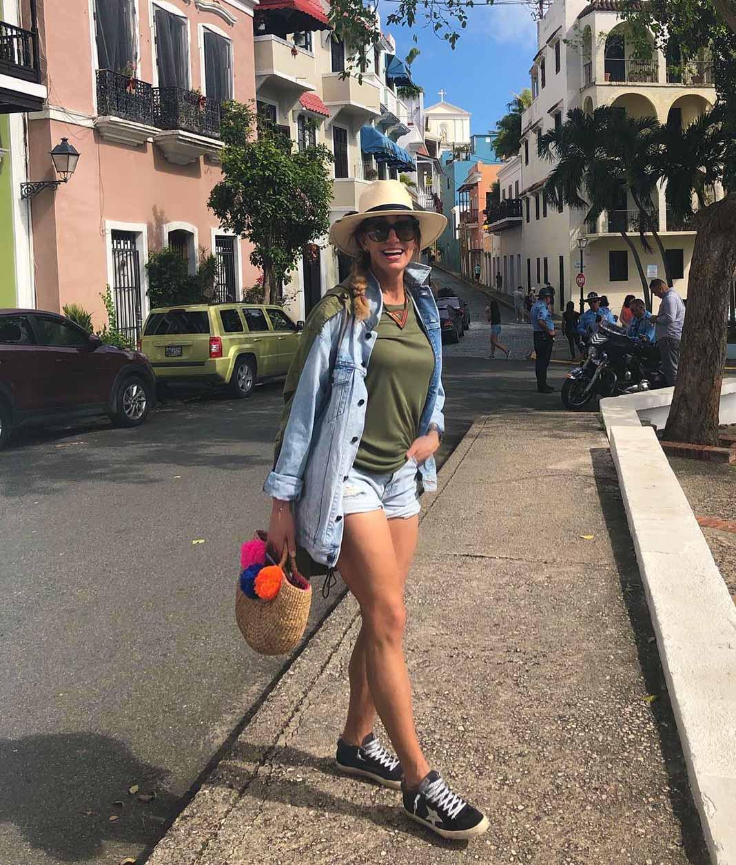 En plena calle de Puerto Rico, sin perder el estilo
