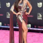Clarissa Molina tiene la edad y el cuerpazo para ponerse un atuendo sexy como éste, que en muchas otras el resultado sería grotesco