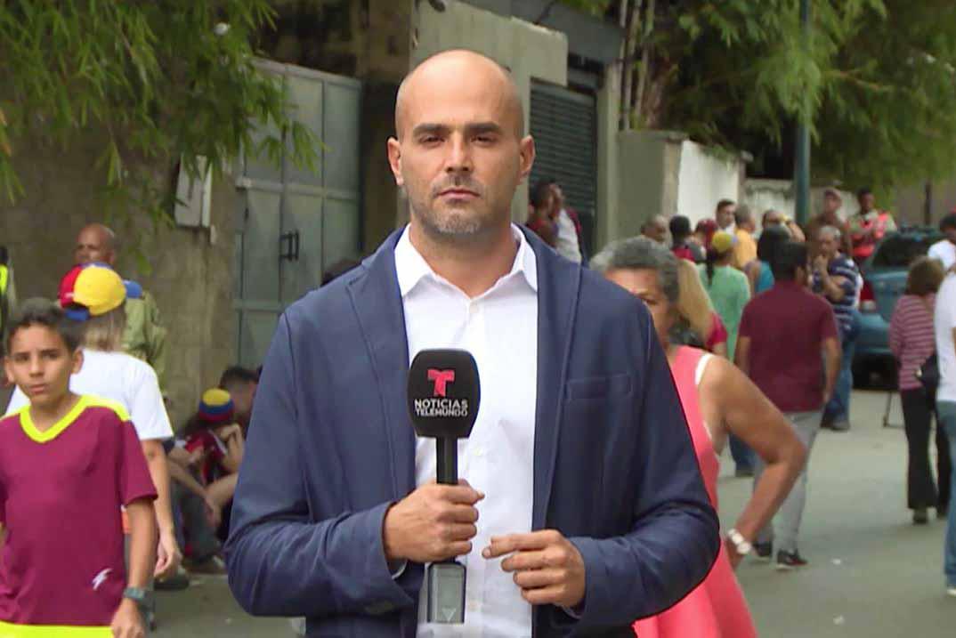 El reportero de Telemundo Daniel Garrido fue privado de su libertad durante seis horas en Venezuela