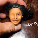 Aquí vemos pintado a la mitad el rostro de Yalitza
