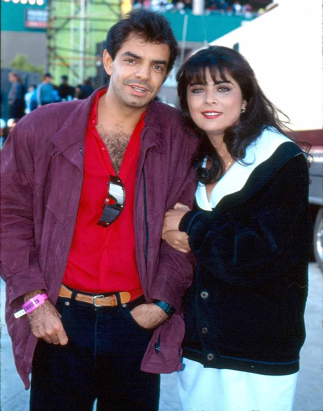 """Eugenio Derbez y Victoria Ruffo """"se casaron"""" en 1992 en una ceremonia que resultó simbólica"""