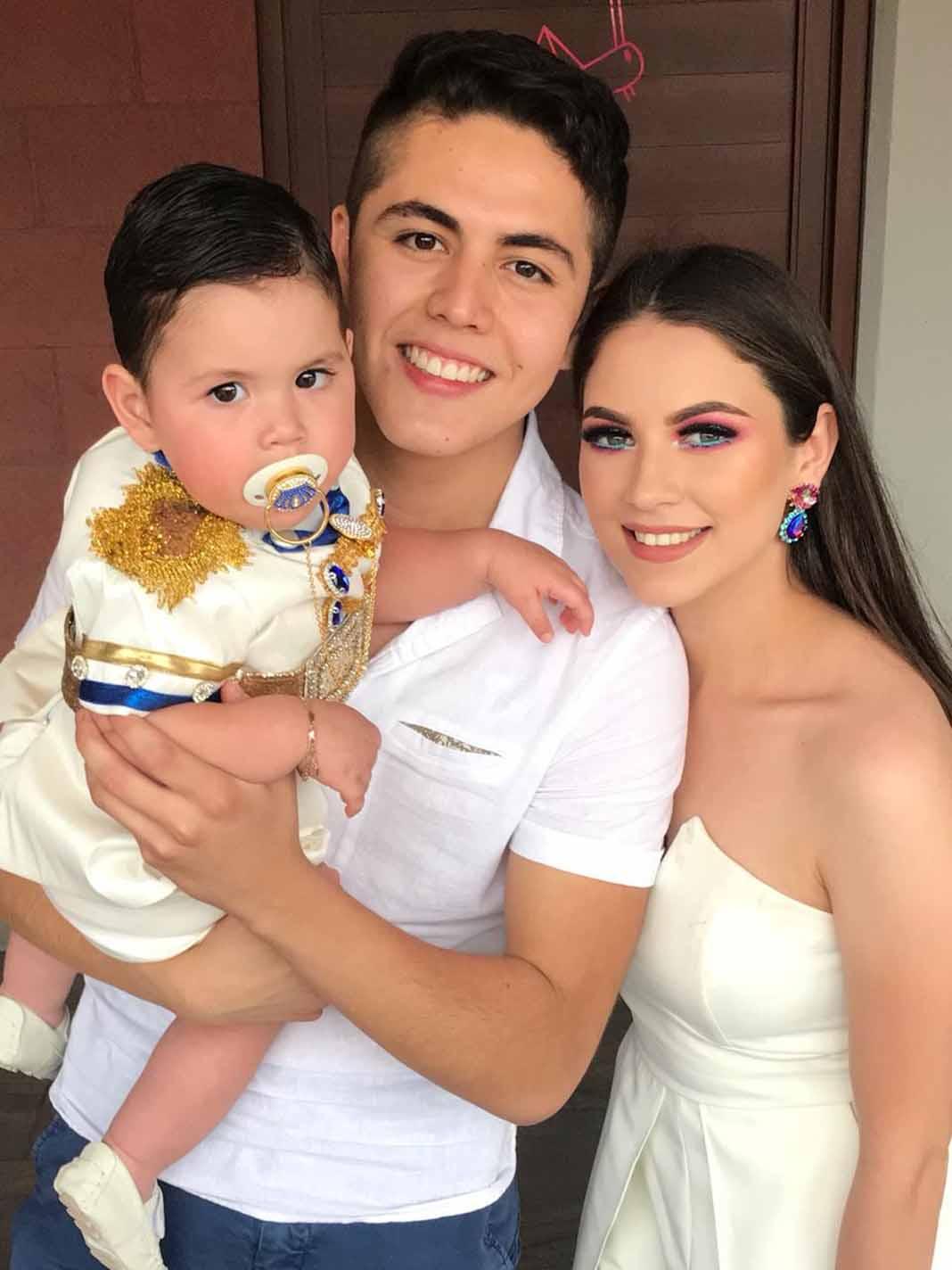 Andrés, su guapísima esposa Diana y el cumpleañero
