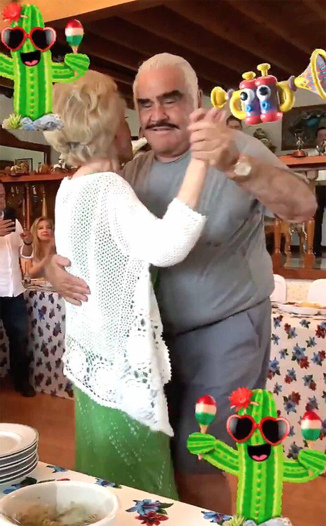 Miren nomás a don Chente baile y baile con su mujer
