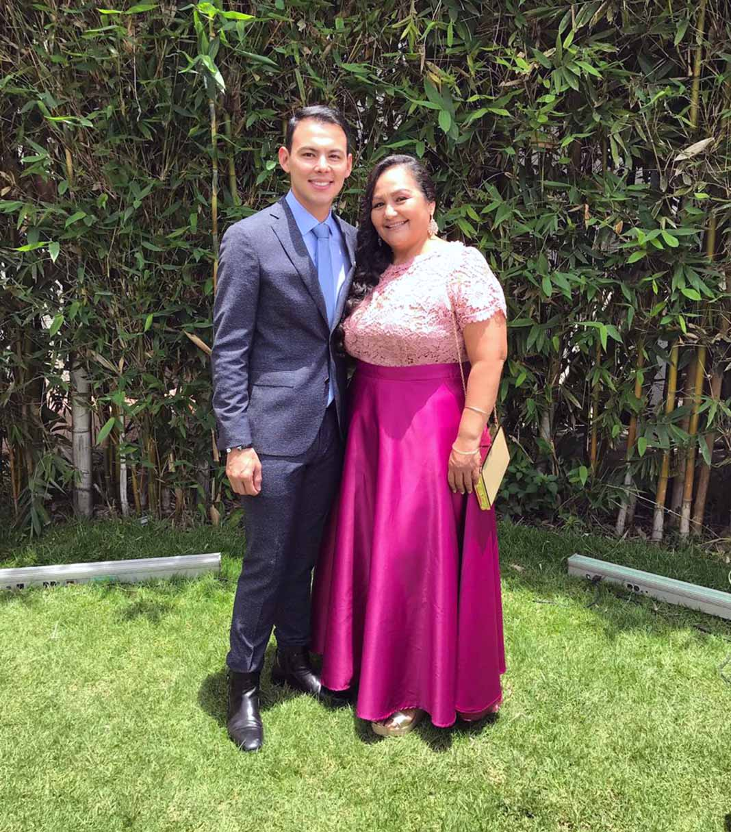 El Yaqui y su mamá, doña María Angélica